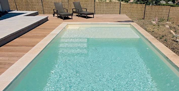 installation de piscine coque polyester toulon mon projet piscine. Black Bedroom Furniture Sets. Home Design Ideas